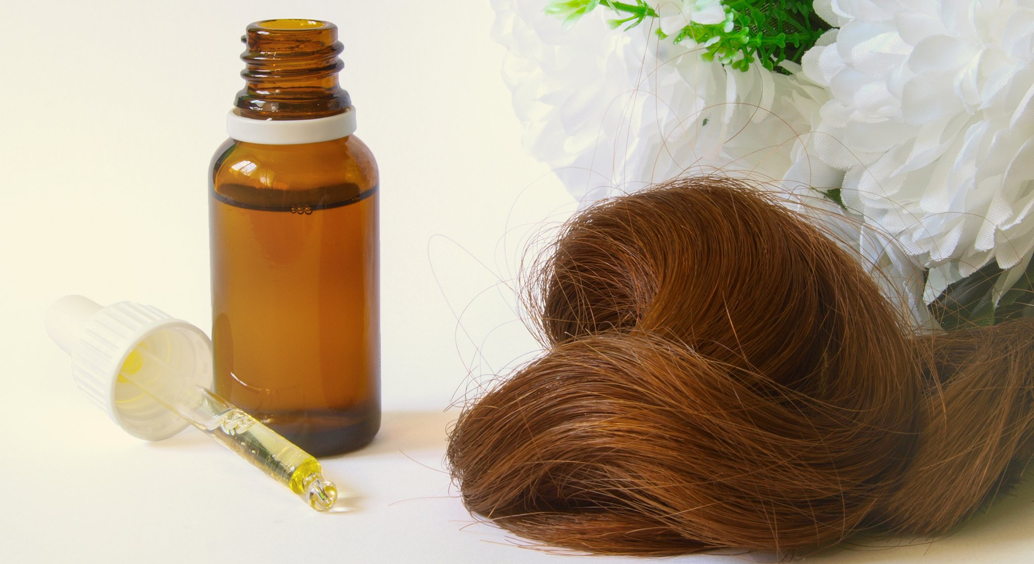 Dandruff and Tips to Deal with It