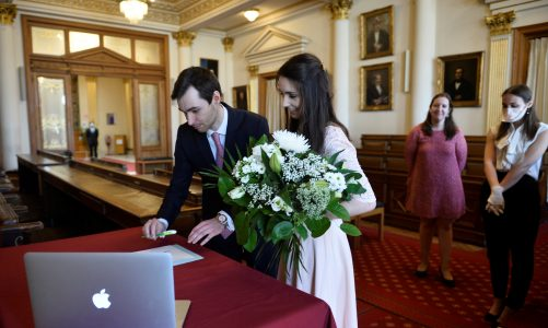 Different ways to celebrate a wedding ceremony in the United Kingdom